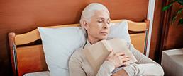 Cochilar à tarde beneficia a memória e as habilidades linguísticas em idosos