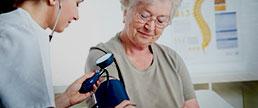 Hipotensão ortostática, eventos adversos e desfechos clínicos: dados do estudo SPRINT